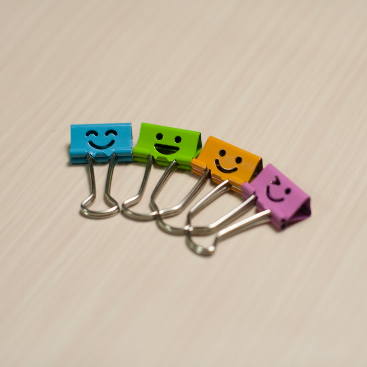 SMILEY CLIPS SMALL